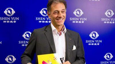 Shen Yun macht friedlich und gutherzig, sagt der österreichische Botschafter in Argentinien