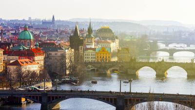 Zeman für seine zweite Amtszeit als tschechischer Präsident vereidigt