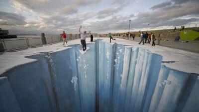 3D-Street-Art: Wenn sich Abgründe auftun, schaut man besser zwei Mal hin!