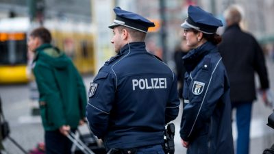 Muslimischer Polizist verweigert Kollegin den Handschlag – 1.000 Euro Geldbuße