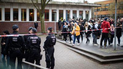 Messer-Attacke an Grundschule: Siebenjähriger sticht Lehrerin in den Bauch