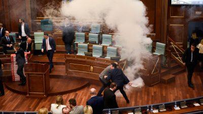 Tränengas verhindert Abstimmung im kosovarischen Parlament vorläufig