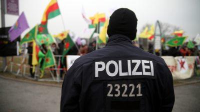 Vermummte in Berlin: Mutmaßlicher Kurden-Mob zog randalierend durch die Straßen