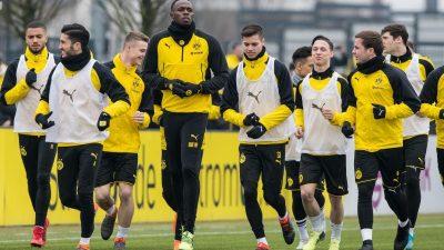 Bolt unter Applaus und Reggae-Rhythmen beim BVB-Training