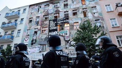 Linksautonome in Berlin: Anwalt und Hausverwalter verprügelt – Polizisten mit Feuerlöscher besprüht
