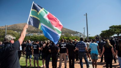 """Farmermorde in Südafrika: Regierung sieht """"keinen Grund zur Sorge"""" – sind im """"Prozess der Landumverteilung"""""""