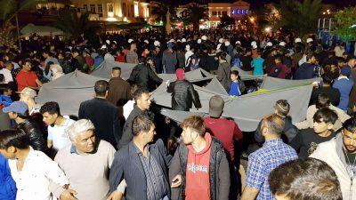 Gewaltsame Ausschreitungen zwischen Migranten und Einheimischen auf Lesbos