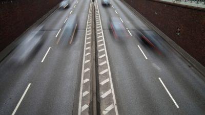 Verkehrspolitiker fordern höhere Bußgelder für Verkehrsrowdys