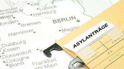 Polizeigewerkschaft fordert Überprüfung sämtlicher Asyl-Entscheidungen seit 2015