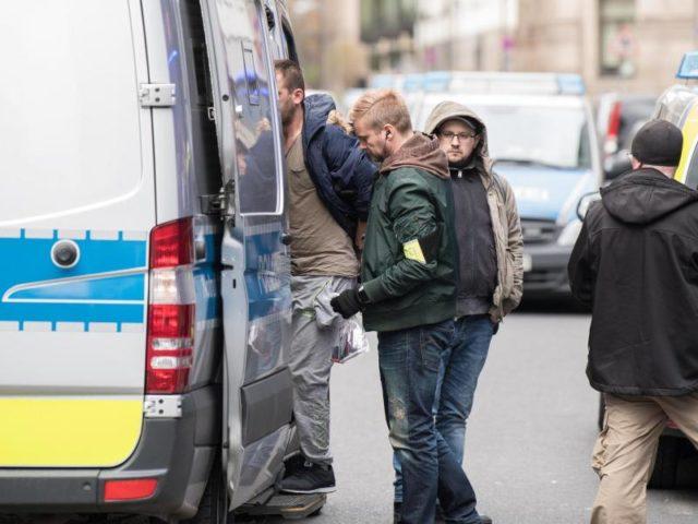 Das Frankfurter Bahnhofsviertel ist ein Schwerpunkt der Straßenkriminalität. Foto: Fabian Sommer/dpa