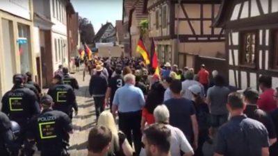 """Kandel-Demos im Livestream: Frauenbündnis ruft zu Großdemo auf – Gegendemo von """"Wir sind Kandel"""""""