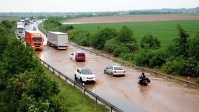 Wieder Überflutungen – Temperaturen über 30 Grad