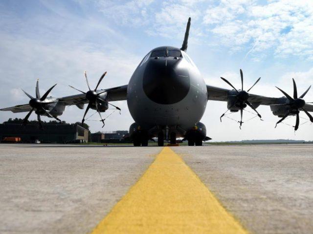 A400M-Militärtransporter der Luftwaffe: Verteidigungsministerin Ursula von der Leyen fordert erheblich mehr Geld im ersten Haushaltsentwurf von Finanzminister Scholz. Foto: Holger Hollemann/dpa