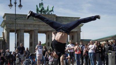 """""""Fridays for Future"""" sagt Auftritt von Chefket ab – Rapper wirft Umweltaktivisten Rassimus vor"""
