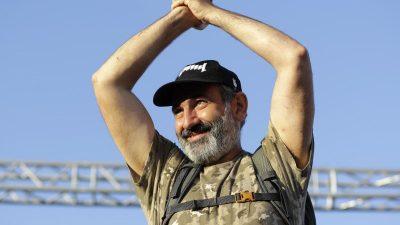Armenien: Wahlsieg für Regierungschef Paschinjan nach monatelangen Protesten