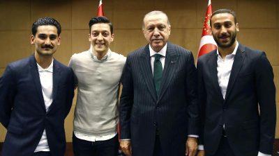 Effenberg: DFB hätte Özil und Gündogan rauswerfen müssen – Kapitän Neuer gibt den beiden Rückendeckung