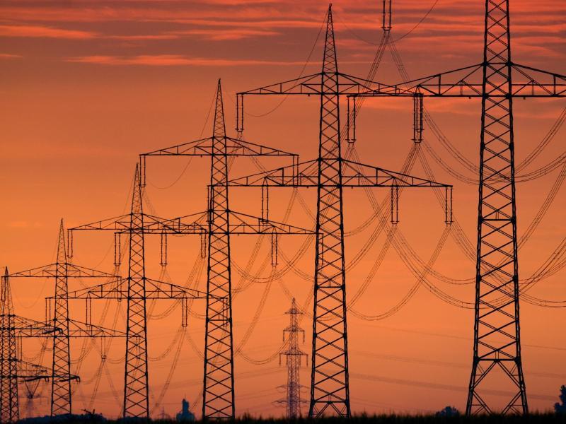 """Bundesregierung zum Stromnetz der Zukunft: """"Grundlast wird es nicht mehr geben"""""""