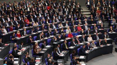 Das Milliardenspiel: Was uns die Parteien und Abgeordneten des Bundestags kosten