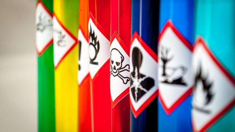 Giftige Stoffe In Wohnung Unbekannte Substanzen Gefunden