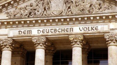 Schäuble will Bundestag ohne Social-Media-Auftritt – Parlamentsblatt bejubelt feministische Pornos