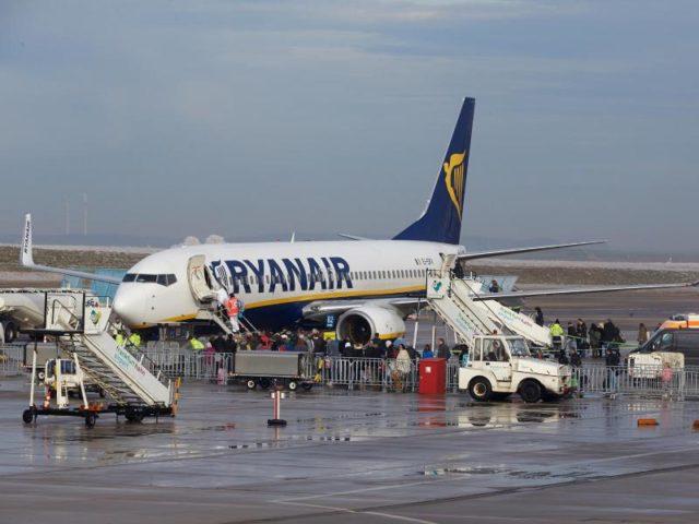 Ryanair streicht wegen Pilotenstreiks am Freitag fast alle ...