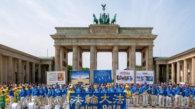 """Berliner Bezirksstadtrat anlässlich der Falun Dafa Parade: """"Es ist ein Skandal, dass ein Massenmord an unschuldigen Menschen hingenommen wird"""""""