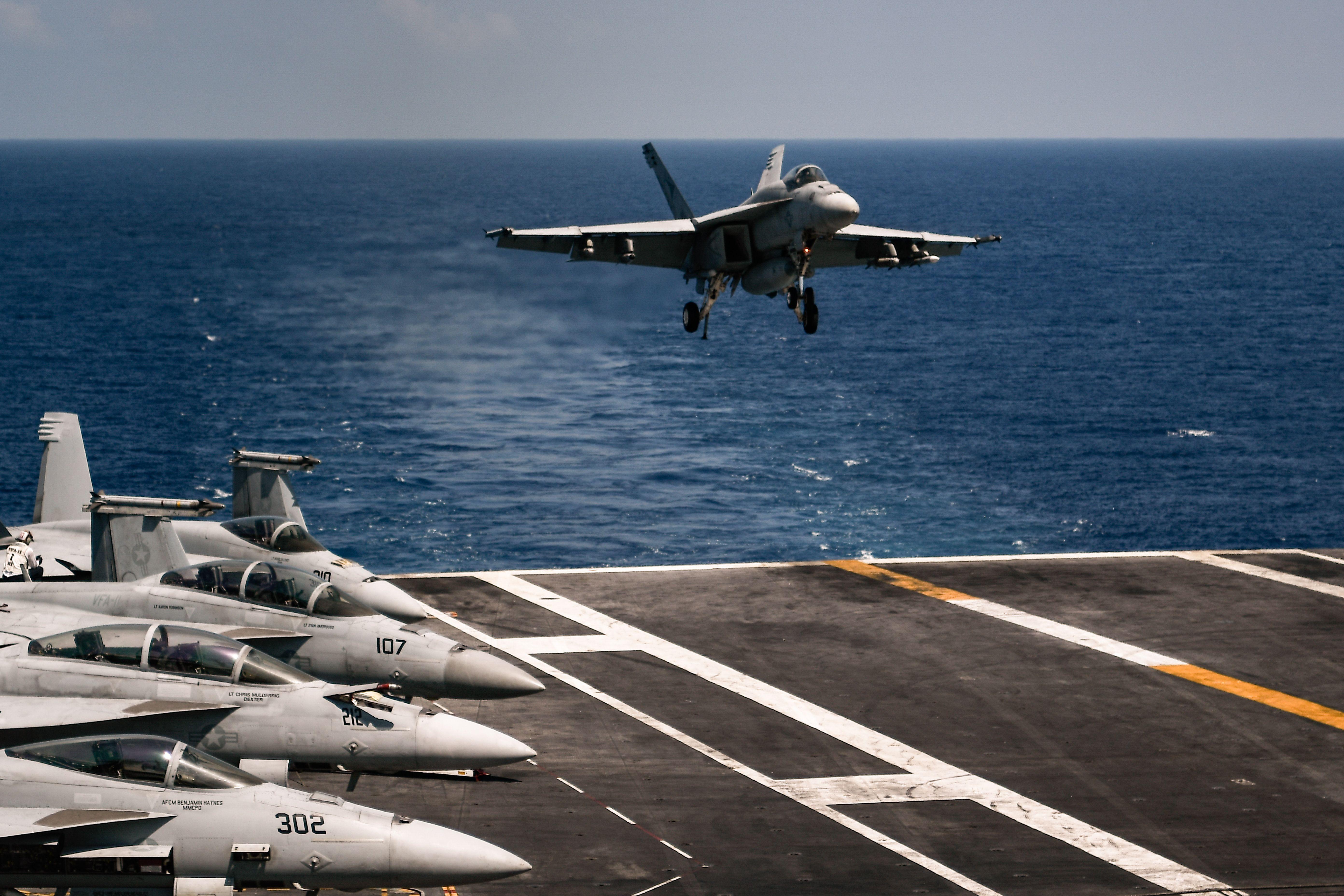 US-Navy bestätigt UFO-Untersuchungen – Air Force widerspricht Erklärung durch Drohnen