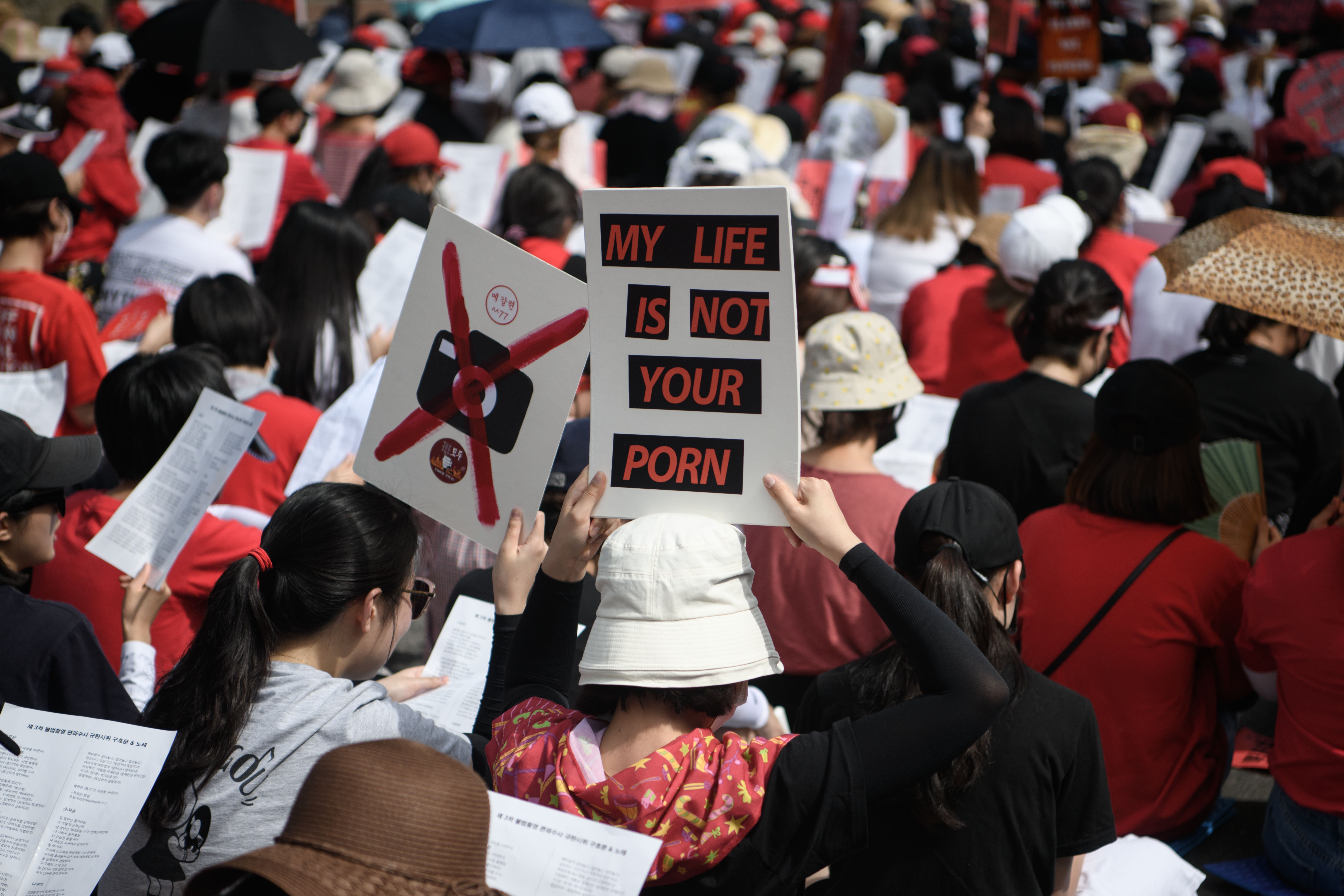 Zehntausende Südkoreanerinnen protestieren gegen heimlich aufgenommene Videos