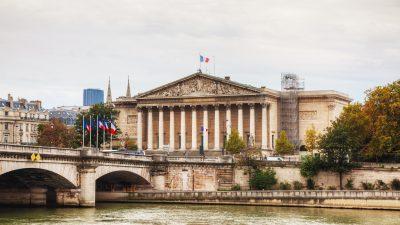 Frankreichs Regierung – Beide Misstrauensanträge wurden abgewiesen