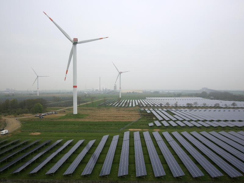 Geringere Eigenproduktion von Kohle- und Kernkraftstrom führt zu höherem Stromimport