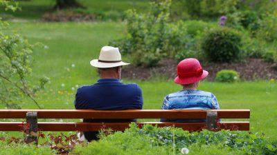 "Raffelhüschen: Rentenpolitik der großen Koalition ""absurd"""