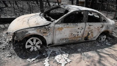 """Griechenland-Brände: Tsipras entlässt nationale Feuerwehr- und Polizeichefs – Zeitungen berichten über """"Energiewaffen""""-Einsatz"""