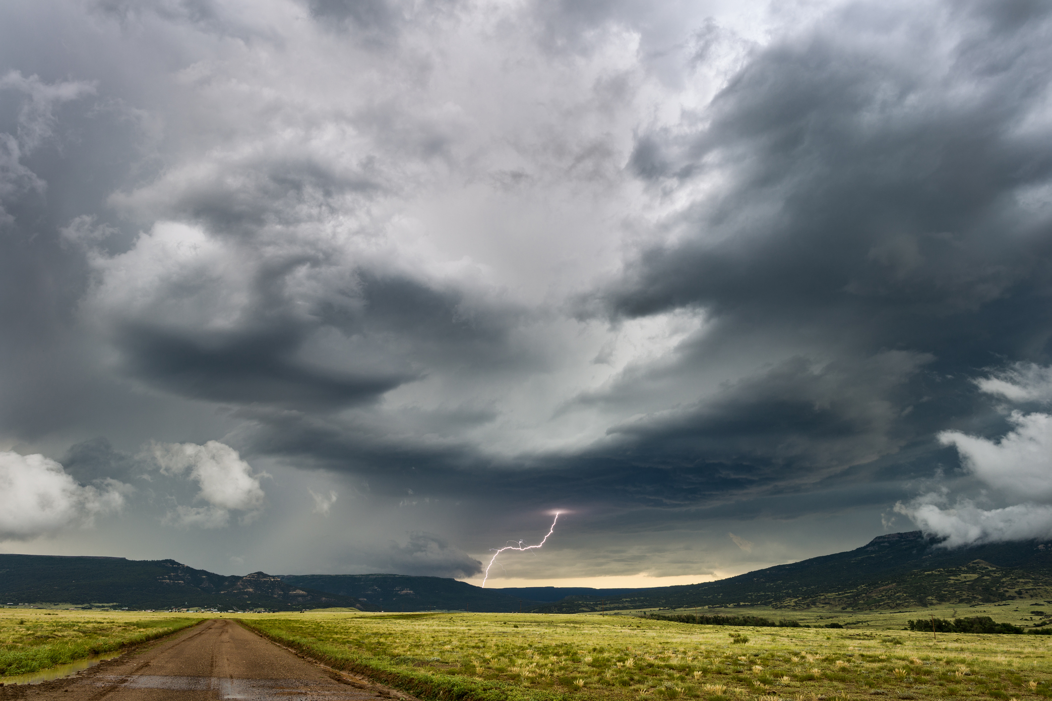 Heftige Gewitter Sturzregen Und Hagelschauer Es Drohen Starke Unwetter