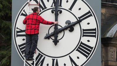 Am Sonntag wird wieder an der Uhr gedreht – Winterzeit beginnt