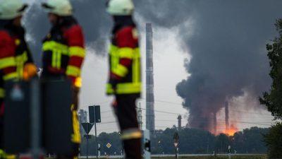 Großbrand in der Bayernoil-Raffinerie bei Ingolstadt