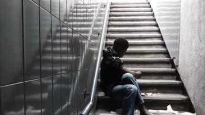 Paris: Fixerstuben für Drogensüchtige lösen nicht das städtische Drogenproblem + Video