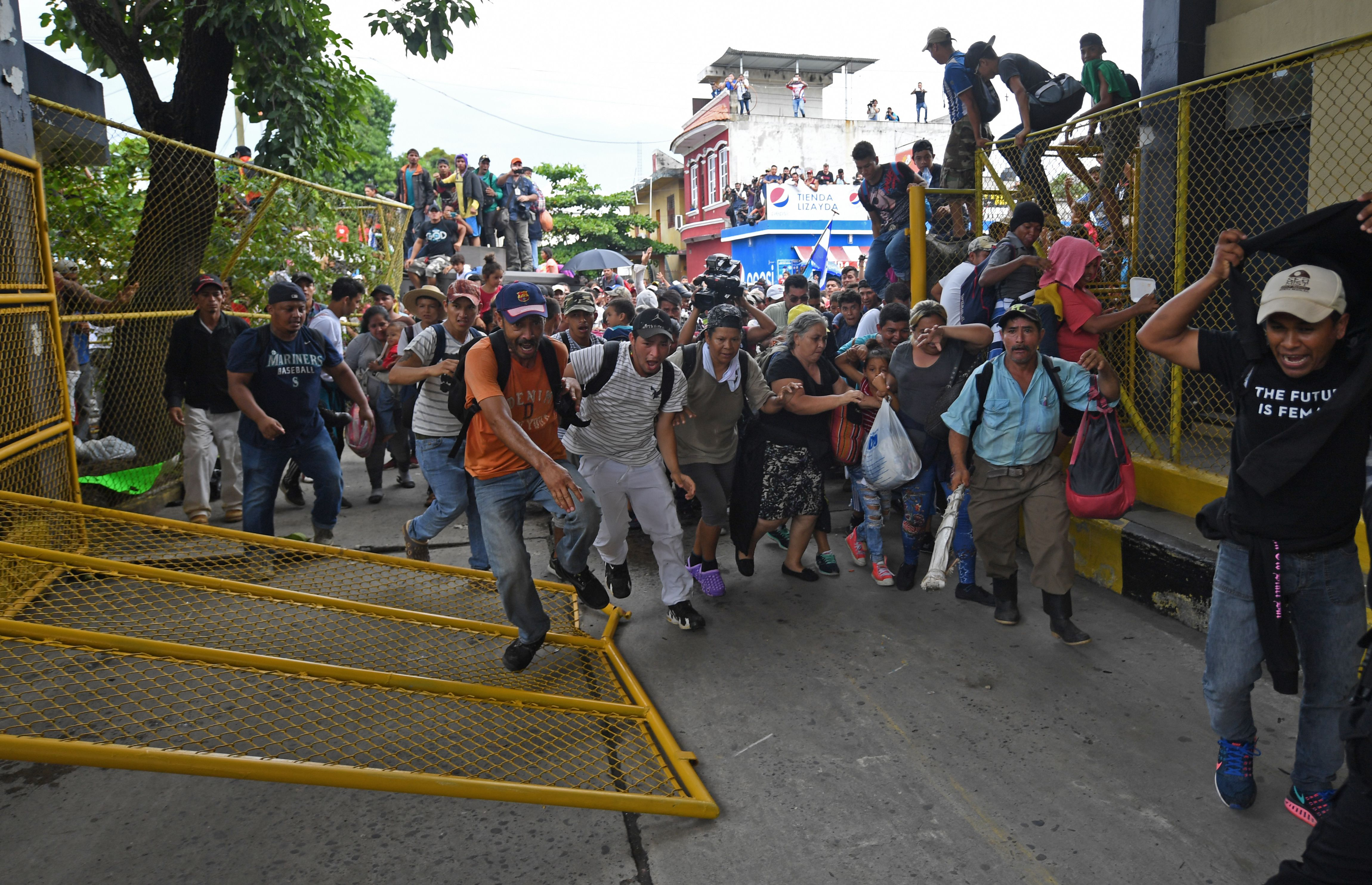 Organisierte Migranten-Bewegung – Teil eines größeren Plans zur Schädigung der USA