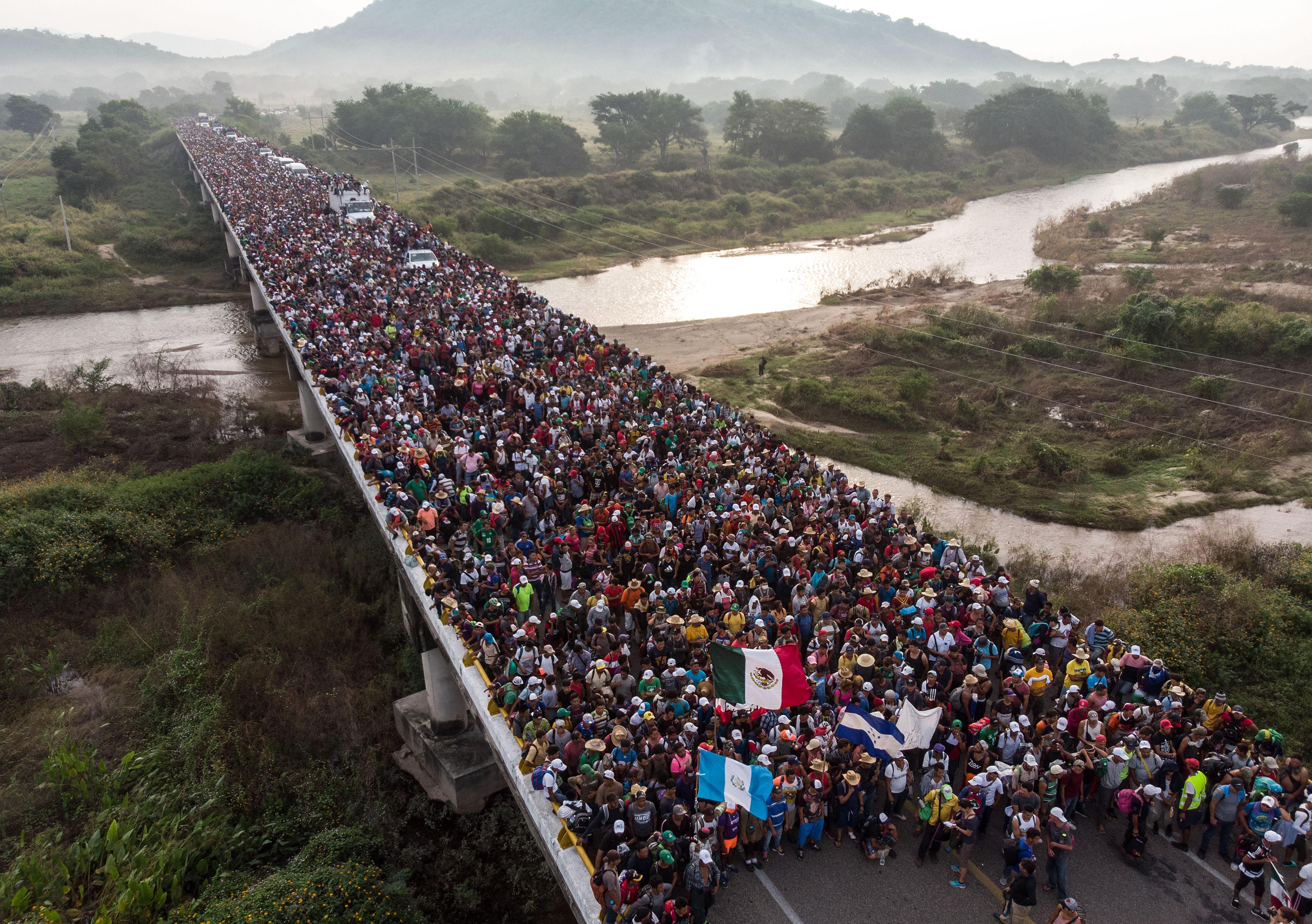 Hunderte Migranten aus Honduras beginnen Marsch Richtung USA