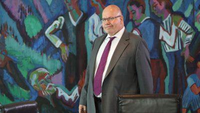 Wirtschaftsminister Altmaier mit Notarzt in Klinik gebracht