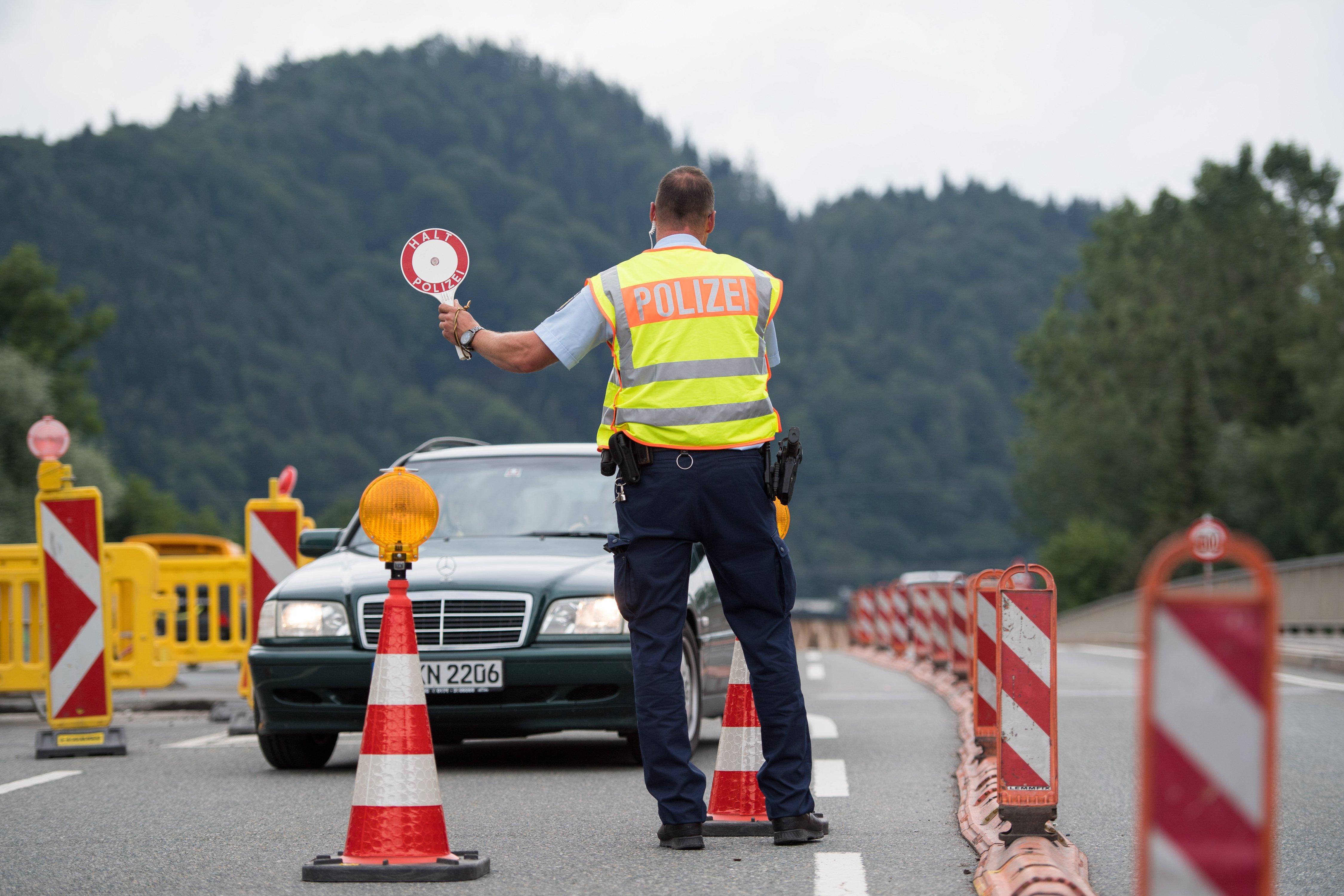 Söder erwägt Corona-Grenzkontrollen