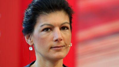 #aufstehen-Bewegung kritisiert Rundfunkbeitrag und erntet Empörung