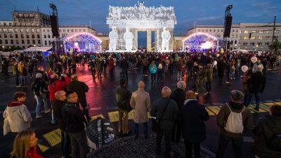 """28. Jahrestag der Deutschen Einheit: """"Der Tag der Deutschen Einheit ist ein Tag der Freude"""""""