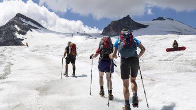 Frau in kurzer Hose nach zwei Tagen in Gletscherspalte gefunden