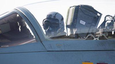 Bundeswehr-Tornado verliert bei Übungsflug zwei Tanks