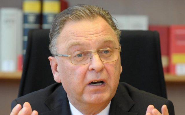 """Ex-Präsident des Bundesverfassungsgerichts: """"Auch Schutz vor Corona rechtfertigt nicht jeden Eingriff in Grundrechte"""""""