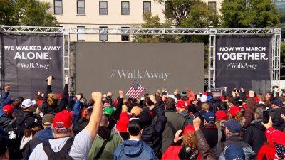 """US-Bürger schließen sich der """"Walk Away""""-Bewegung an und distanzieren sich so von der Demokratischen Partei"""