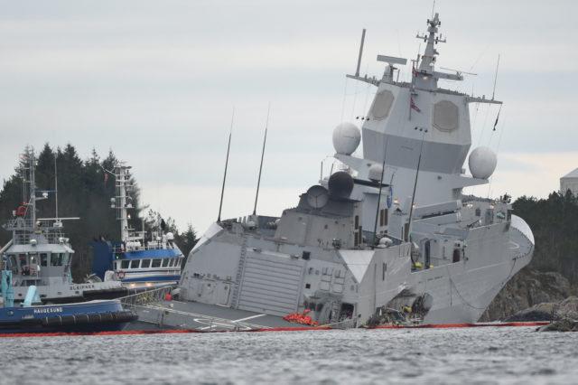 Norwegische Fregatte kollidiert nach Nato-Manöver mit Öltanker – Menschen gerettet, Fregatte droht zu sinken