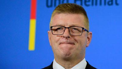"""Verfassungsschutzchef Haldenwang will """"Neue Rechte"""" stärker ins Visier nehmen"""