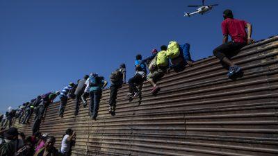 """""""Tödliches Tränengas"""" an der Grenze? Fake-News gegen Trump werden immer grotesker"""