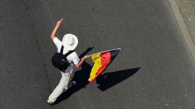 """""""Zeit""""-Journalisten wollen rechtes Netzwerk in Deutschland offengelegt haben"""